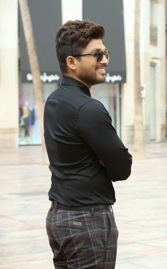 New trending Allu Arjun Amazing collection 2019 Romantic Couple Images, Couples Images, Allu Arjun Hairstyle, Famous Indian Actors, Dj Movie, Allu Arjun Wallpapers, Telugu Hero, Allu Arjun Images, Download Free Movies Online