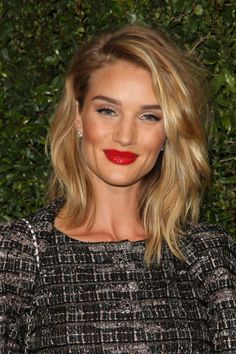 Model and new mom Rosie Huntington-Whiteley prefers a shoulder-length cut, and she styles it with soft beach waves for a natural look. RELATED: Make Your Hair Easy Hair