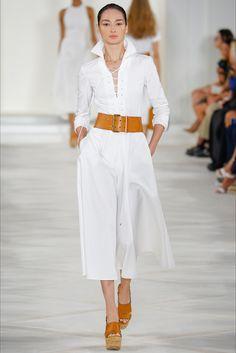 Ralph Lauren Spring 2016 Ready-to-Wear Collection Photos - Vogue Fashion Week, Look Fashion, High Fashion, Fashion Show, Womens Fashion, Fashion Design, Fashion Trends, 50 Fashion, Vintage Fashion