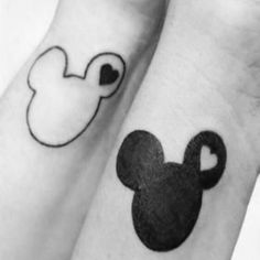 20 Disney Tattoos To Celebrate Your Magical Friendship Disney best friends tattoos ideas Because Disney is ALL about friendship. Matching Disney Tattoos, Disney Sister Tattoos, Brother Tattoos, Matching Best Friend Tattoos, Sibling Tattoos, Matching Tattoos For Cousins, Simple Disney Tattoos, Disney Tattoos Quotes, Cute Best Friend Tattoos