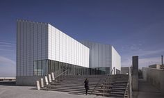 The seafront Turner Contemporary gallery in Margate is composed of six identical volumes with an acid-etched glass skin. (via Gau Paris) Turner Contemporary, Contemporary Museum, Acid Etched Glass, David Chipperfield Architects, Residential Architect, Royal Academy Of Arts, Dezeen, Urban Design, Studio