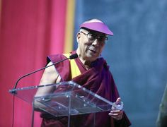 Dalai Lama in Louisville | Buddhist leader issues plea of compassion to 15,000 at KFC Yum! Center