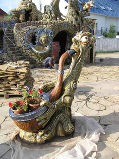 Beauty will save the world Concrete Crafts, Concrete Wood, Concrete Sculpture, Garden Sculpture, Diy Garden Decor, Garden Art, Lawn Mower Repair, Earthship Home, Outdoor Projects