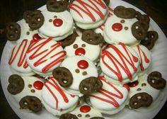 Christmas themed chocolate covered oreos
