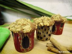 Apple and Cinnamon Streusel Muffins