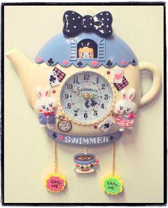 Alice in Wonderland Tea Party Clock by zakka brand Swimmer - swimmer.co.jp
