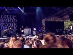 A l'occasion du Festival Garorock 2013 Ricard S.A Live Music J3  C'est sur un rythme effréné que s'achève cette 17ème édition du festival Garorock. Voici en image les meilleurs moments de cet événement inoubliable. Une ambiance de PURE folie et des rencontres inédites avec Lilly Wood and the Prick et JC Satan !