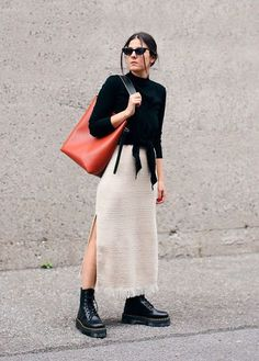 Fashionista Trends, Casual Wear Women, Casual Outfits, Balenciaga, Combat Boots Style, Prada, Doc Martens Outfit, Hipster, Gucci
