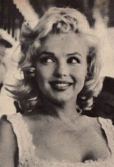 uploaded this image to 'Marilyn Monroe'. See the album on Photobucket. uploaded this image to 'Marilyn Monroe'. See the album on Photobucket. Best Hollywood Actress, Old Hollywood Actresses, Most Beautiful Hollywood Actress, Golden Age Of Hollywood, Vintage Hollywood, Classic Hollywood, Hollywood Icons, Alfred Hitchcock Movies List, Stars D'hollywood