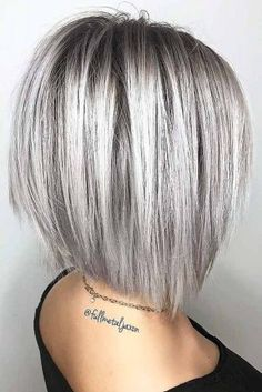 Try Out These Stacked Bob Haircut Ideas Shoulder length hair is the best you can opt for in case you like to experiment – Farbige Haare Medium Hair Styles, Curly Hair Styles, Grey Hair Styles For Women, Silver Hair Styles, Women Hair Cuts, Short Hair Cuts For Women Bob, Short Bob Styles, Long Pixie Cuts, Short Hair With Layers