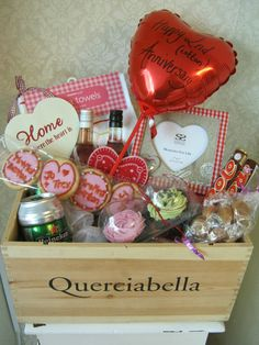 Wedding Gift Baskets Uk : ... hampers on Pinterest Hampers, Wedding hamper and Retro sweets