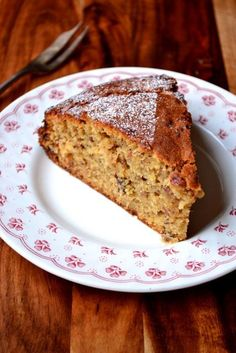 Mince Pie Cake - infused with a decadent amount of homemade mincemeat, this recipe for Mince Pie Cake is the ultimate in Christmas indulgence. A beautiful cake to eat at any-time❣️ Mince Recipes, Baking Recipes, Cake Recipes, Dessert Recipes, Frugal Recipes, Oven Recipes, Party Desserts, Baking Ideas, Drink Recipes