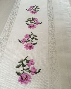 1 million+ Stunning Free Images to Use Anywhere Cross Stitch Borders, Cross Stitch Flowers, Cross Stitch Designs, Cross Stitch Patterns, Pillow Embroidery, Embroidery Stitches, Hand Embroidery Design Patterns, Organic Art, Crochet Bedspread