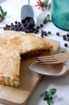 Corned Meat Pie (Pastel de Carne) by Loleta.es