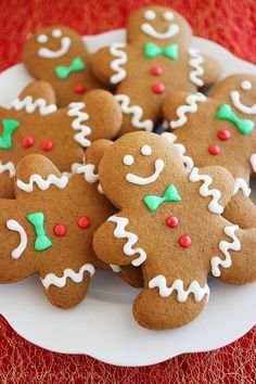 Galletas de navidad Spiced Gingerbread Man Cookies Recipe ~ You'll love these easy, festive gingerbread men loaded with warm winter spices and cheery charm. The dough bakes up a spicy, soft cookie that creates an incredible aroma in your home. Unique Christmas Cookie Recipe, Gingerbread Man Cookie Recipe, Christmas Sweets, Christmas Cooking, Noel Christmas, Christmas Goodies, Christmas Gingerbread Man, Gingerbread Dough, Cute Christmas Cookies