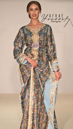 Morrocan Dress, Moroccan Caftan, Sari, Embroidery Art, Party Fashion, Traditional Outfits, Biscuits, Glamour, Engagement
