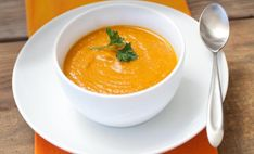 Creamy Pumpkin Soup Gets A Kick From Chiles And Spices: Spicy Pumpkin Bisque Recipe Pumpkin Sweet Potato Soup, Pumpkin Coconut Soup, Coconut Soup Recipes, Creamy Pumpkin Soup, Healthy Recipes, Carrot Soup, Healthy Pumpkin, Potluck Recipes, Canned Pumpkin