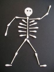 This looks like a really neat productPreschool Halloween craft... Q-tip skeleton