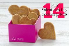 16 Fun Valentine's Day Cookies for Kids Valentines Day Cookies, Valentines Food, Valentine Day Crafts, Cookies For Kids, Gifts For Him, Holidays, Sweet, Party, Fun