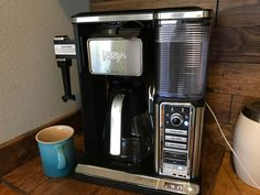 The Ninja Coffee Bar system is the best coffee maker, makes single-serve and carafe sizes, specialty coffee, integrated frother - how to use and unboxing