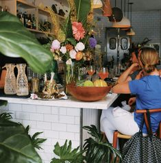 Enjoy our list of top bars and restaurants on Main Street, Santa Monica! Little Prince, The Galley, The Victorian, and more. Activities In Los Angeles, Taco Shop, Massage Parlors, City Of Angels, Los Angeles California, Coffee Shops, Venice Beach, Santa Monica, Main Street