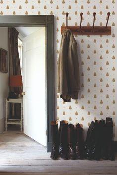 ideas hallway wallpaper ideas entryway farrow ball for 2019 Farrow Ball, Farrow And Ball Paint, Unique Wallpaper, Geometric Wallpaper, Colorful Wallpaper, Hallway Wallpaper, Home Wallpaper, Nursery Wallpaper, Wallpaper Online