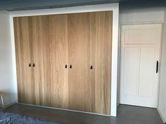 IKEA pax Repvag deur met ombouw Closet Bedroom, Home Bedroom, Bedroom Ideas, Ikea Storage, Tall Cabinet Storage, Dressing Pax, Diy Bench, Closet Designs, Armoire