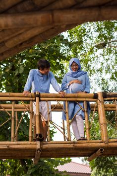 Moslem Maternity Photoshoot  Blue and white combined in nature  #MaternityShoot #MoslemMaternity #MaternityIdeas