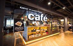 ภาพ Greyhound Cafe สยามเซ็นเตอร์ Kiosk Design, Bakery Design, Retail Design, Store Design, Bangkok Shopping, Shopping Mall, Restaurant Marketing, Restaurant Bar, Bangkok Thailand