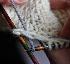Suvikumpu: KANTAPÄÄ, ohje ja vinkkejä Merino Wool Blanket, Diy And Crafts, Knitting, Handmade, Socks, Hand Made, Tricot, Breien, Stricken