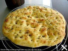Foccacia, ein leckeres Rezept aus der Kategorie Brot und Brötchen. Bewertungen: 99. Durchschnitt: Ø 4,6.