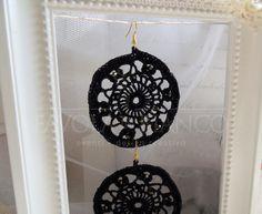 Handmade Bijoux and Accessories - Orecchini all'uncinetto colore nero con cristalli swarovski fatti a mano