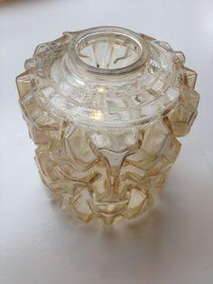 lasinen ruskehtava varjostin 70-luvulta, halkaisija 13cm, korkeus 15cm