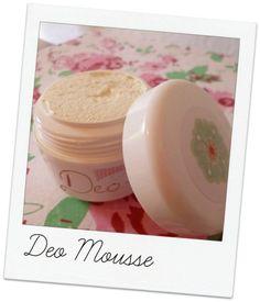 Hallo Liebe Leser, heute möchte ich mit euch das Rezept für das letztens gezeigte Deo Mousse teilen....
