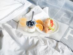 Weekend at home, breakfast in bed