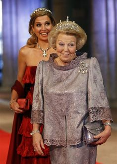 Queen of the Night: Queen Beatrix hosts a gala banquet ahead of her abdication and the enthronement of her son Crown Prince Willem-Alexander 4/29/13