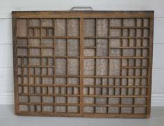 Vintage kirjapainon lokerikko - kirjasinkasti