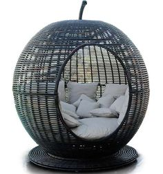 The Igloo Apple Day Bed Lounger Brings New Meaning to the 'Big Apple' #design