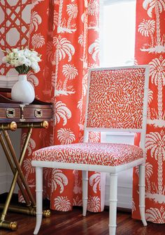 Stunning color and pattern Palm Island - Summer House Collection - Thibaut Chinoiserie Elegante, Coral Pantone, Interior Exterior, Interior Design, Coastal Fabric, Palm Beach Decor, Home Sofa, Coral Bedroom, Home And Deco