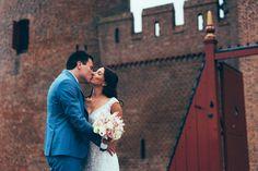 #wedding #pictures #shoot #urban #couple #castle #kiss #flowers #photography #edopaul
