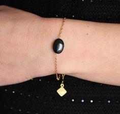 Bracelet palet ovale en Onyx noire, pierre semi-précieuse & laiton brut (doré), bijou ethnique chic, fin by Myo Jewel #black #gold #love #idéecadeau #noël #artisanat #minimaliste #glamour #madeinfrance
