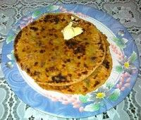 Craving for a plate of aloo paratha, but don't know how to go about it? Check out our step-by-step recipe for the delicious stuffed aloo paratha.