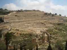 Mount of Olives...the graves of 3000 years Palestinians want to move, and restrict access of the area.