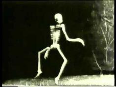 The Dancing Skeleton (1897) - LOUIS LUMIERE - Le squelette joyeux Merry Puppet #scary #spooky #halloween
