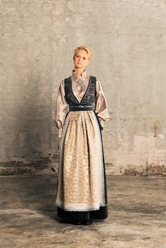 evaliedesign_fantasistakker_smal_web07 Folk Costume, Costumes, Viking S, Artistic Photography, Folk Art, Concept Art, Ethnic, Culture, Henna