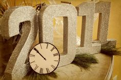 Glittered Numbers for New Year's Mantel decor