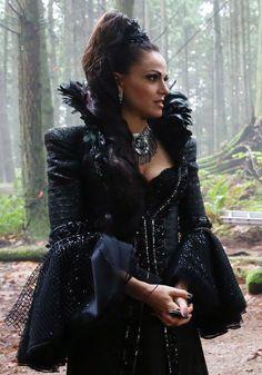 Lana Parrilla. Regina Mills, Evil Queen Ouat S5