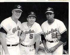 Boog Powell, Brooks Robinson and Frank Robinson Famous Baseball Players, Mlb Players, Baseball Photos, Sports Baseball, Basketball, Football, Baltimore Orioles Baseball, Baltimore Maryland, American League