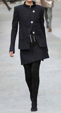 Chanel Fall 2013                                                                                                                                                     Más