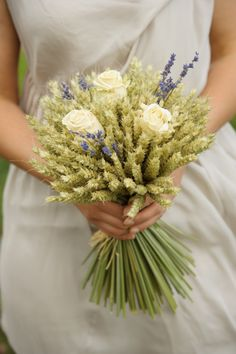 wheat wreath bouquet with cream roses and lavender x